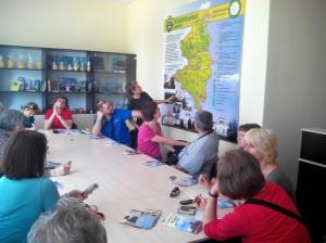 участники пресс-тура в зале коропского информационно-туристического центра.