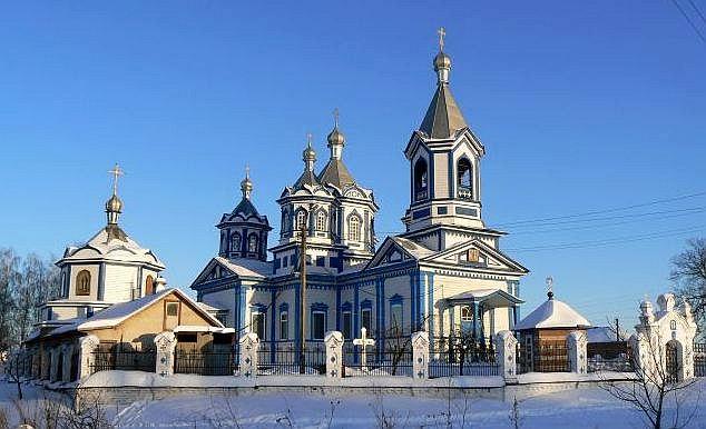 Дерев'яна церква Трьох Святителів на Кустівцях, м.Прилуки